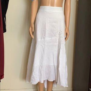Melanie Lyne linen skirt in excellent condition